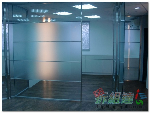 辦公家具-電銲白鐵隔間