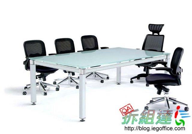 OA辦公家具-RT玻璃會議桌