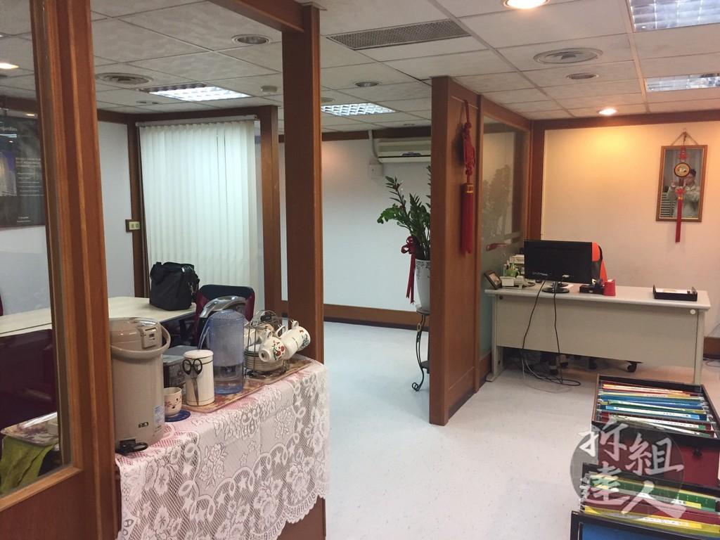 辦公室裝潢,地板/壁紙/輕鋼架
