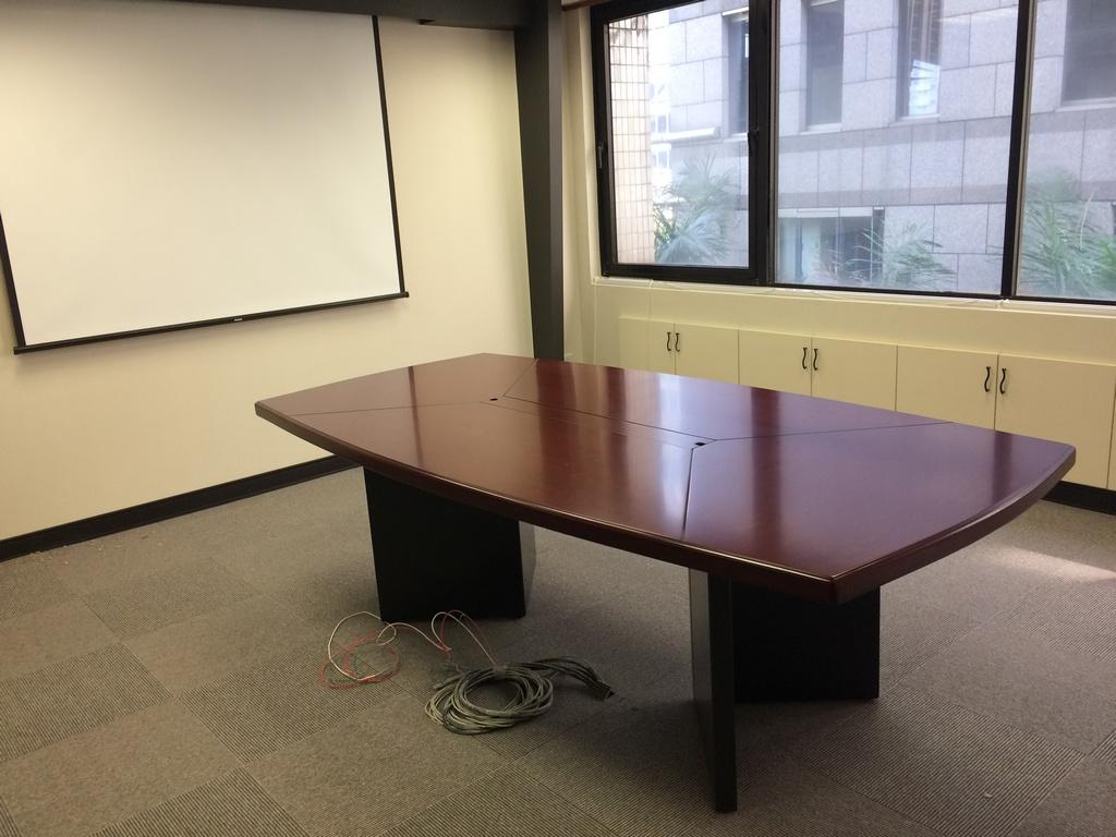 木製會議桌